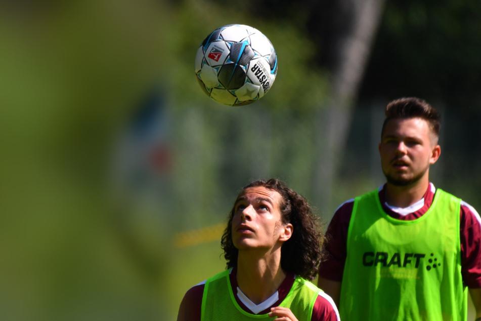 Matthäus Taferner (l.) und Vasil Kusej kehren sofort zu Dynamo zurück.