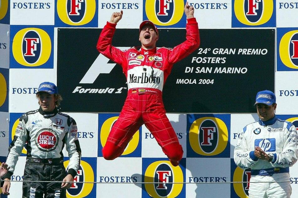 Michael Schumacher (52) 2004 beim Sieg in Imola. Auf der Strecke ist der gebürtige Hürther Rekord-Champion.