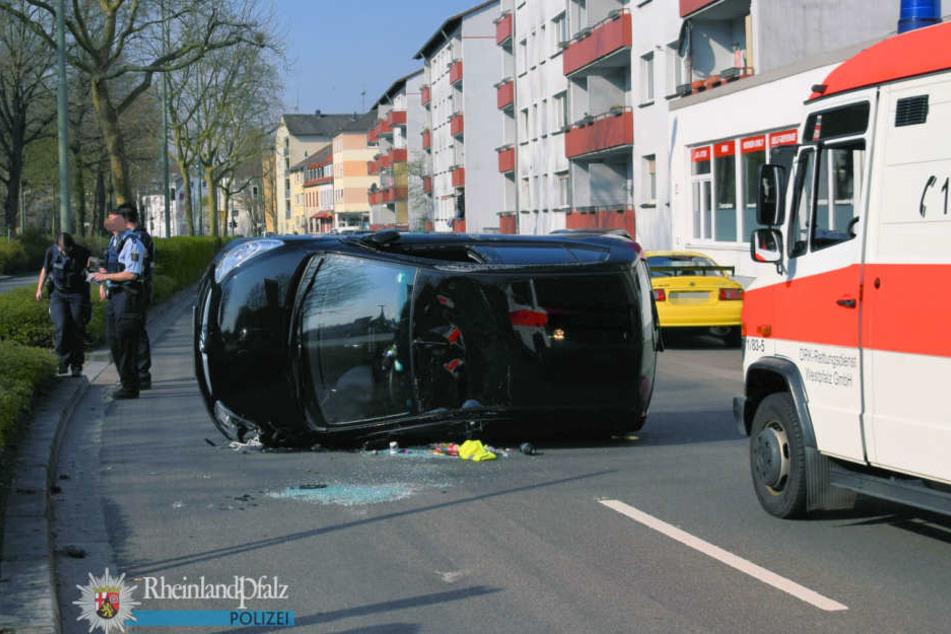 In Kaiserslautern hat sich eine Frau vor einer Spinne erschrocken und einen Unfall gebaut.