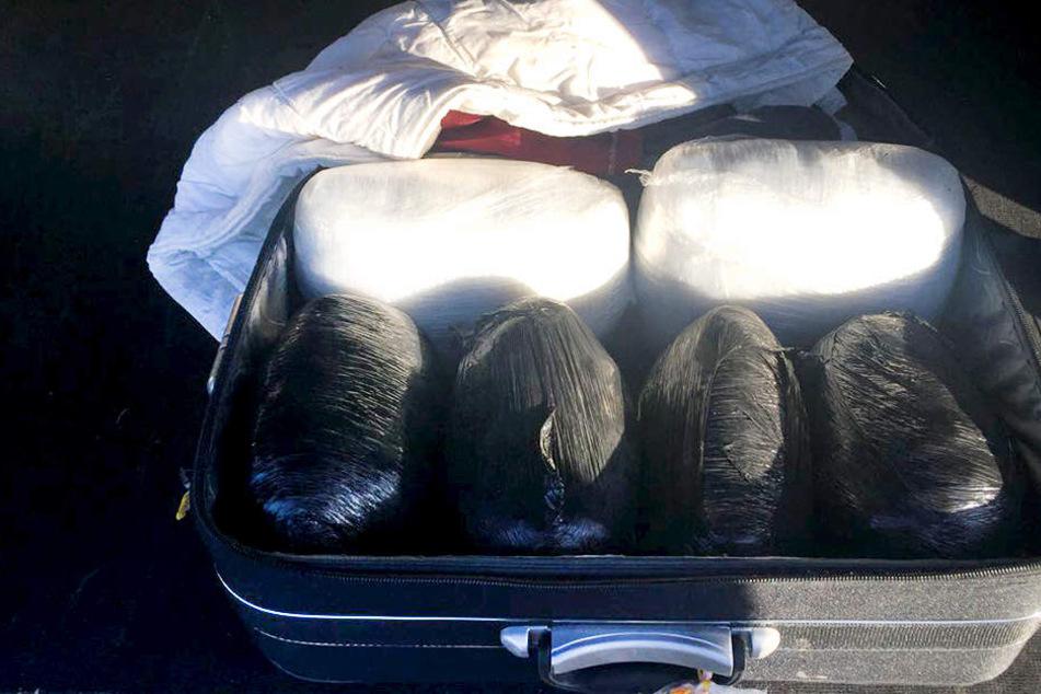 Die Bundespolizei entdeckte bei einer Kontrolle einen Koffer voller Drogen.