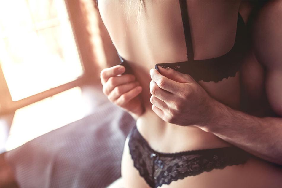 Warum soll man kostenlosen Sex mit Männern haben, wenn man dafür auch Geld verlangen kann, fragt sich eine junge Kasachin.