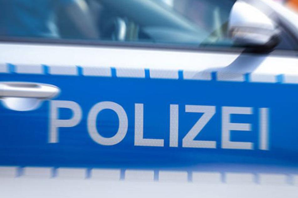 Kurioser Polizeieinsatz in Schwerin: Eine erhängte Person entpuppte sich als ein Anzug auf einem Kleiderbügel.