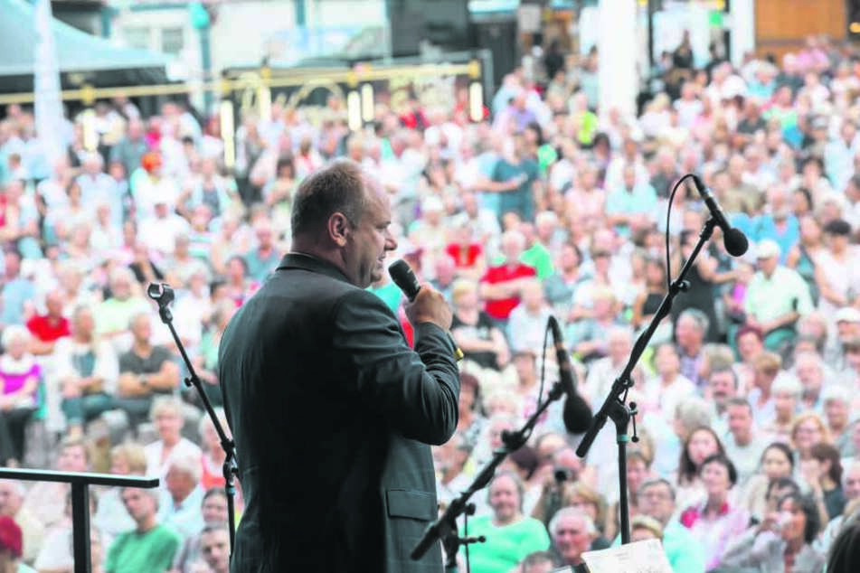 Am Freitag eröffnete OB Dirk Hilbert (45, FDP) das Stadtfest.