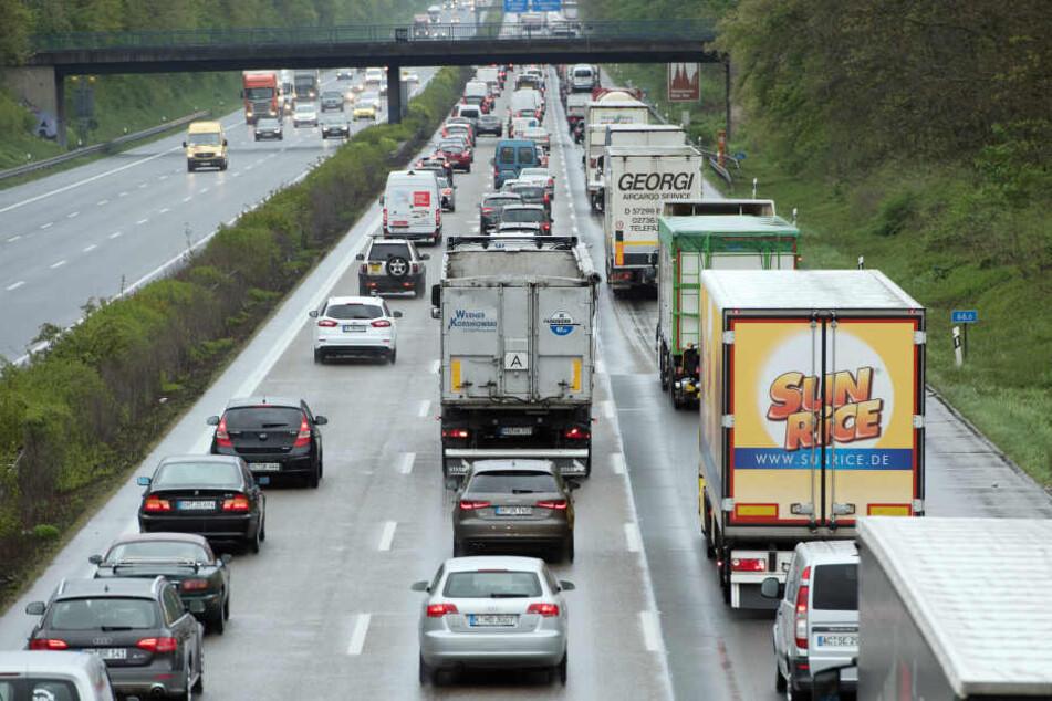 Ein Stau auf der A4 bei Köln. (Symbolbild)