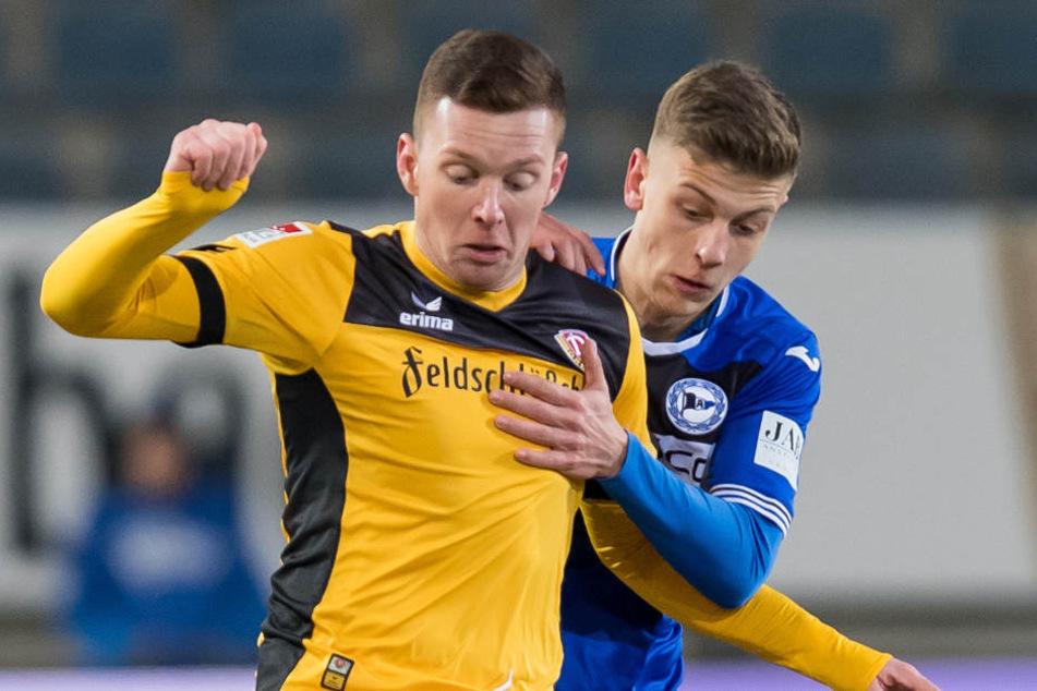 Für zehn Minuten durfte der 18-Jährige bereits Zweitliga-Luft gegen Dynamo Dresden schnuppern.