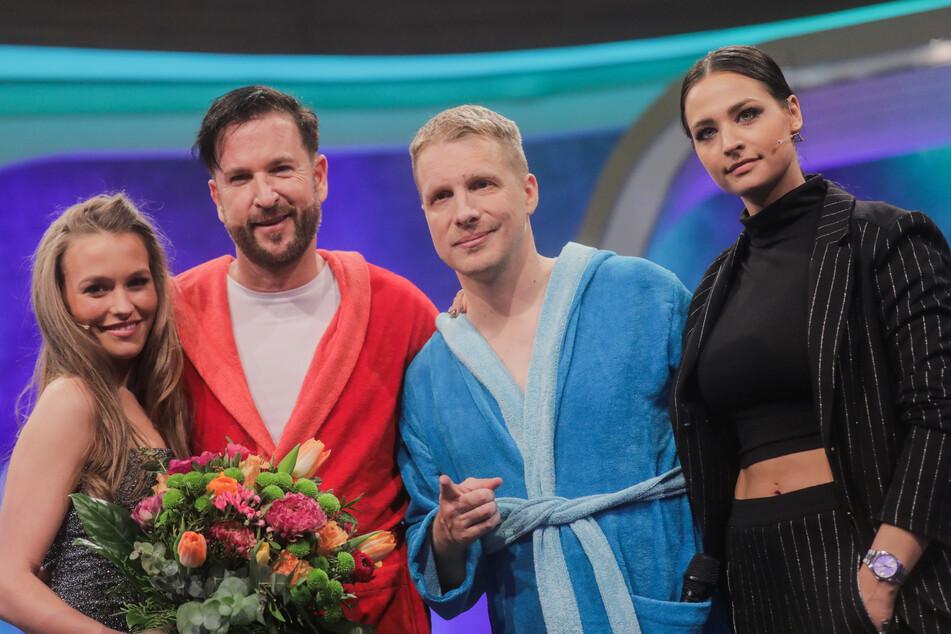 Oliver Pocher (2.v.r), Moderator und seine Frau Amira (r), hier beim Duell gegen Michael Wendler und Freundin Laura Müller.