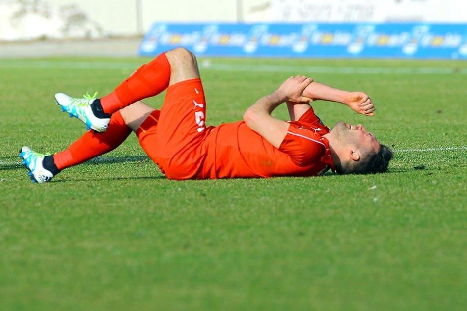 Aykut Öztürk feierte gegen Kiel sein Startelf-Debüt nach seiner Verletzung. Und prompt bekam der Stürmer ordentlich auf die Socken.