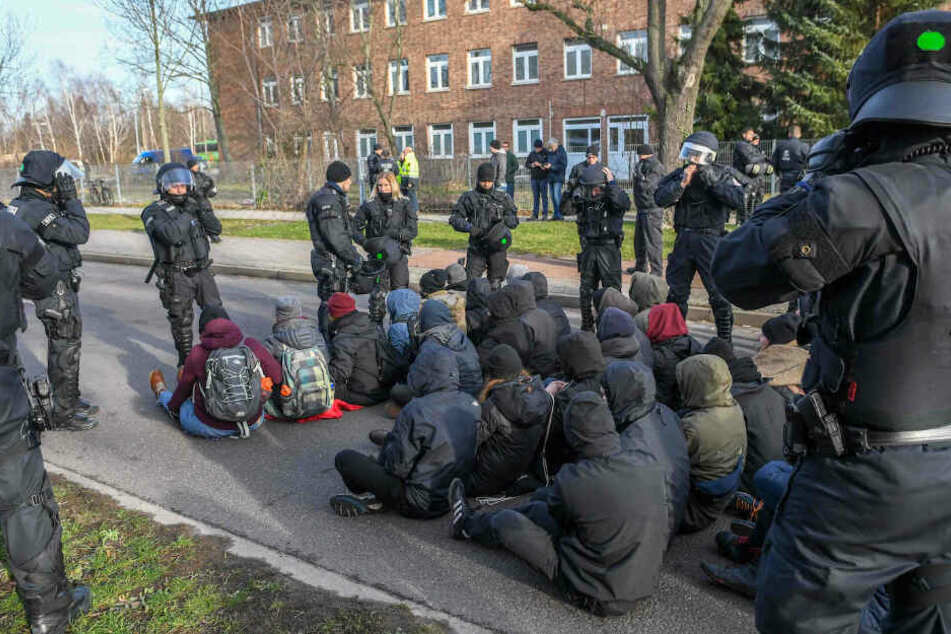 Starker Widerstand bei Rechten-Aufmarsch in Magdeburg