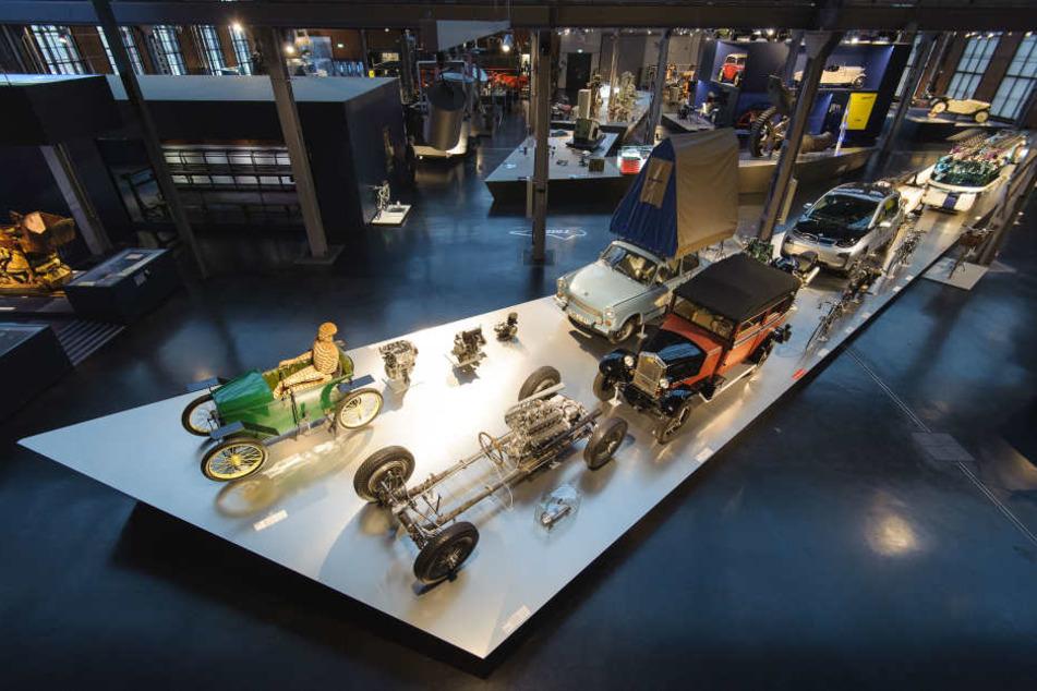 Das Chemnitzer Industriemuseum feiert am Sonnabend sein 25-jähriges Bestehen. 15 Uhr wird die Geburtstagstorte angeschnitten. Auch die Dampfmaschine wird angeworfen.