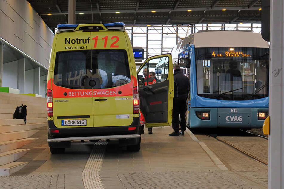 Pfefferspray-Attacke in Tram: Fahrer schwer verletzt