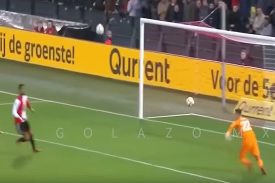 Aufregung im Strafraum: Fans verhindern Tor der gegnerischen Mannschaft