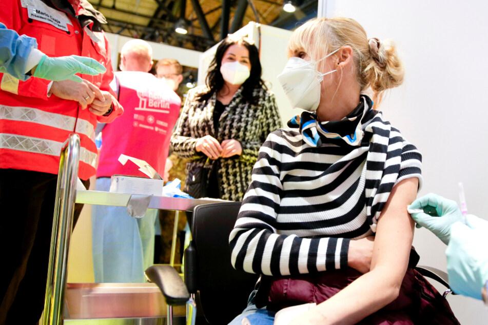 Zu wenige Anmeldungen! Erstes Impfzentrum in Berlin soll wieder schließen