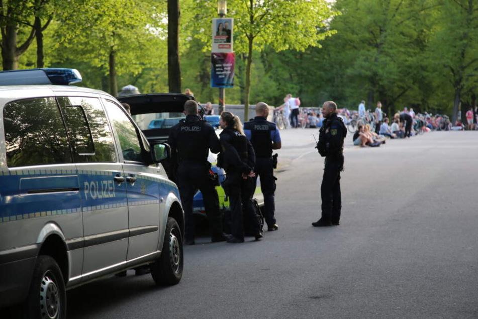 Nach Messer-Attacke an der Sachsenbrücke: Ermittlungen wegen versuchten Mordes