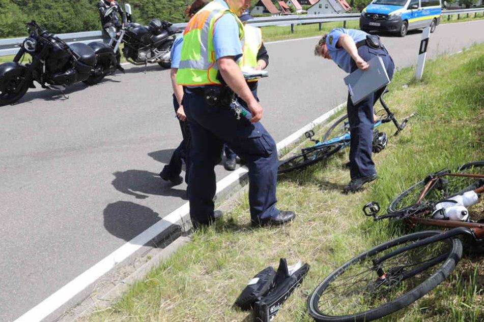 Ein 37-Jähriger krachte in der Kurve frontal mit einem Motorradfahrer zusammen.