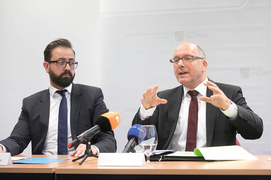 Justizminister Sebastian Gemkow (39, CDU) und Generalstaatsanwalt Hans Strobl (61, r.).