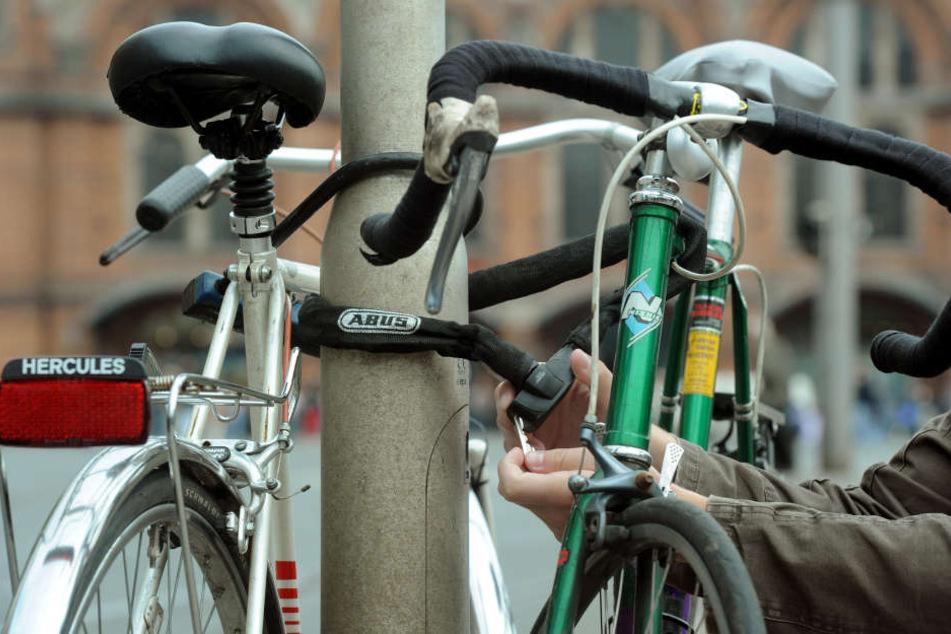 Ein Fahrraddieb lief dem Besitzer des gestohlenen Drahtesels in die Arme. (Symbolbild)