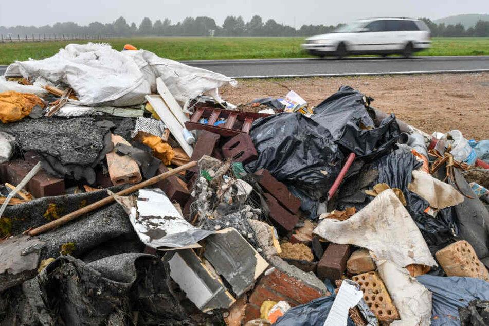 Auf dem weg zur Mülldeponie werden in Wilhelmshaven mehrere Fahrer ohne Führerschein erwischt (Symbolbild).