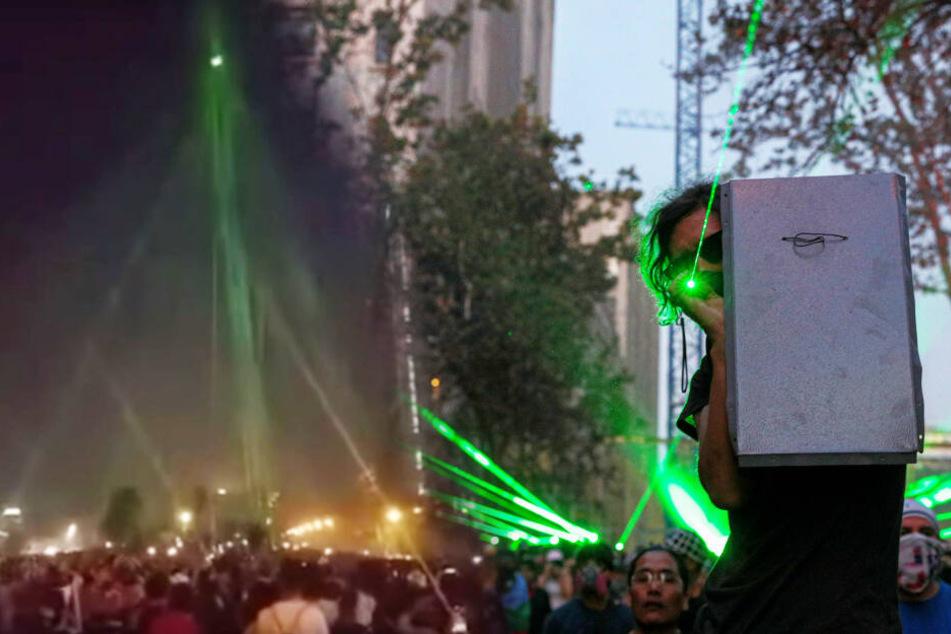 Hunderte Laserpointer lassen Polizei-Drohne abstürzen