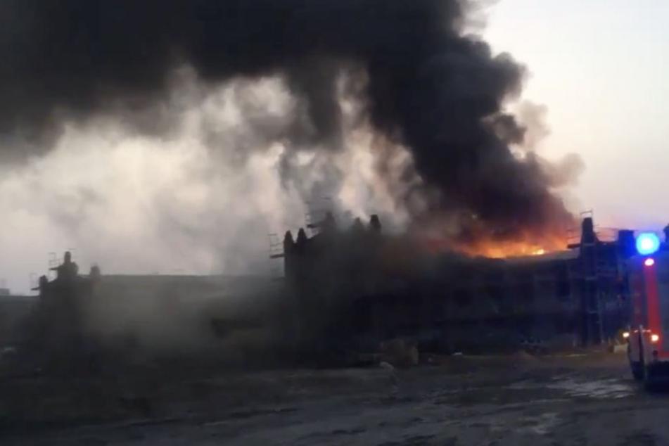 Brand im Prenzlauer Berg löst Großeinsatz der Feuerwehr aus!