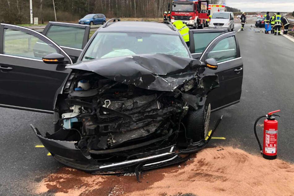 Der Fahrer des VW Passat konnte dem stehenden Toyota nicht mehr ausweichen.
