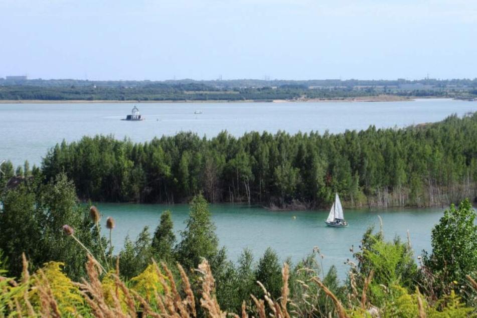 Auch um den Störmthaler See führen mehrere Wanderungen.