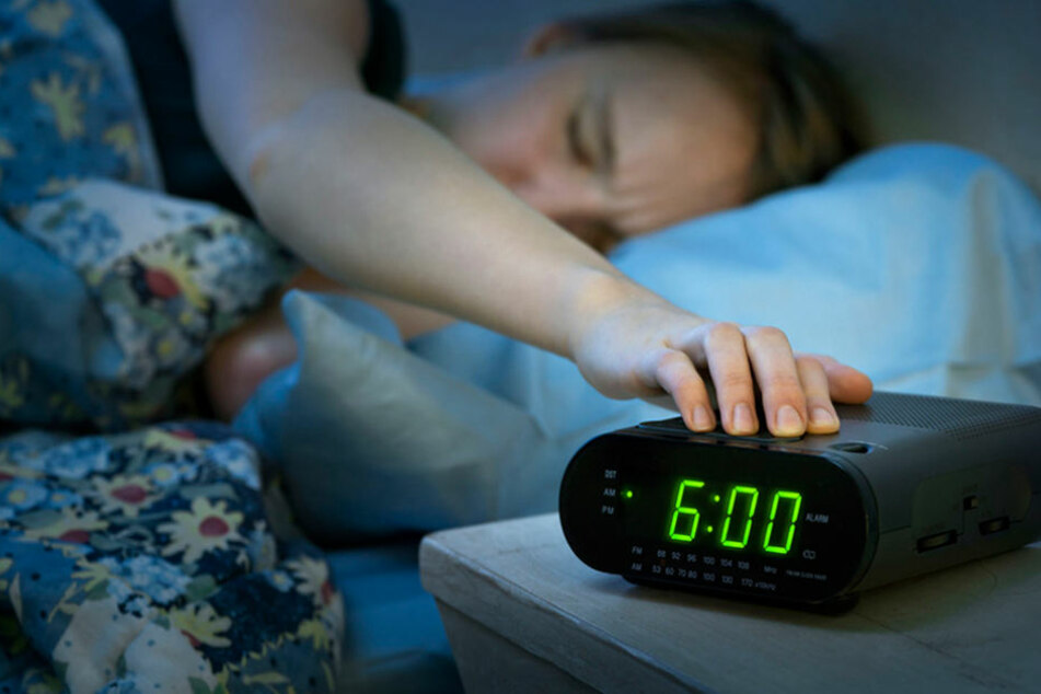 Einfache Radiowecker und Küchenuhren nutzen minimale Abweichungen der konstanten Netzfrequenz für die Berechnung der Zeitanzeige. (Symbolbild)
