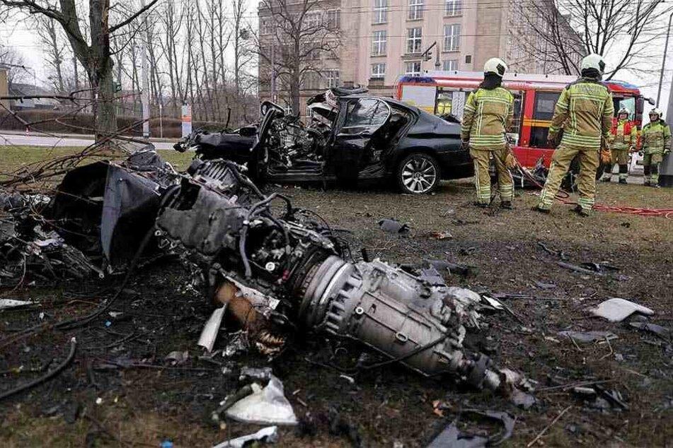 Bei dem Unfall wurde der Motorblock aus dem Auto gerissen.