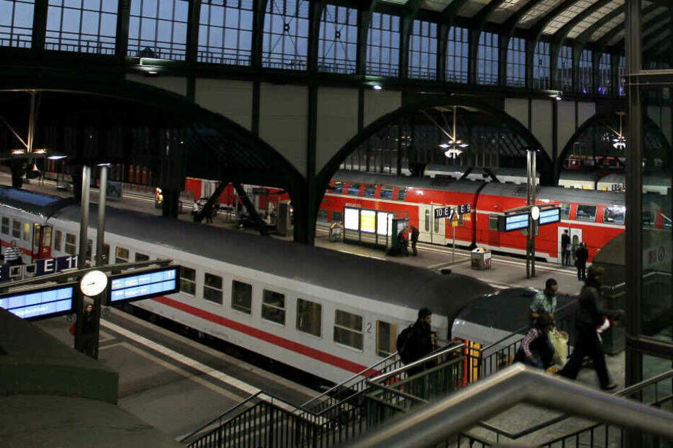 Der Vorfall ereignete sich in einer S-Bahn am Darmstädter Hauptbahnhof.