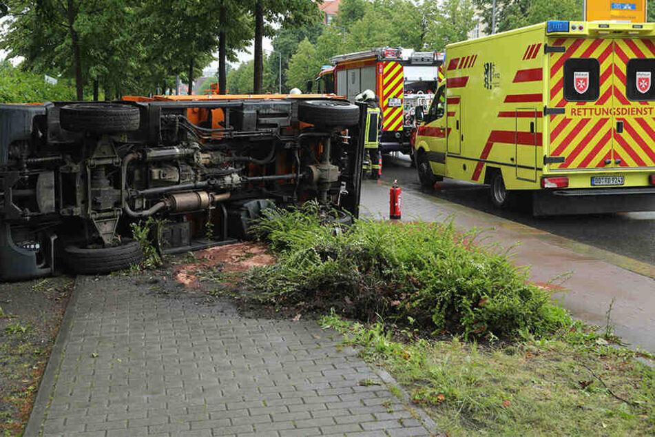 Rettungsdienst und Feuerwehr waren am Unfallort im Einsatz.