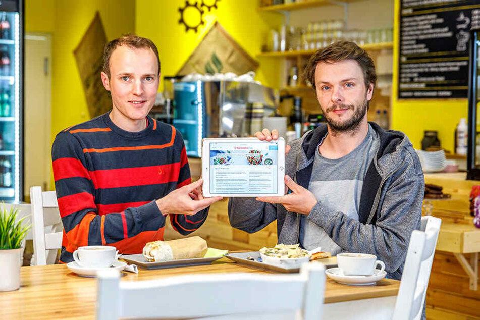 Martin Bruck (34, l.) und Manuel Gillner (35) haben die Speiseplan-App entwickelt. Sie zeigt Hungrigen, wo es das beste Mittagsangebot gibt.