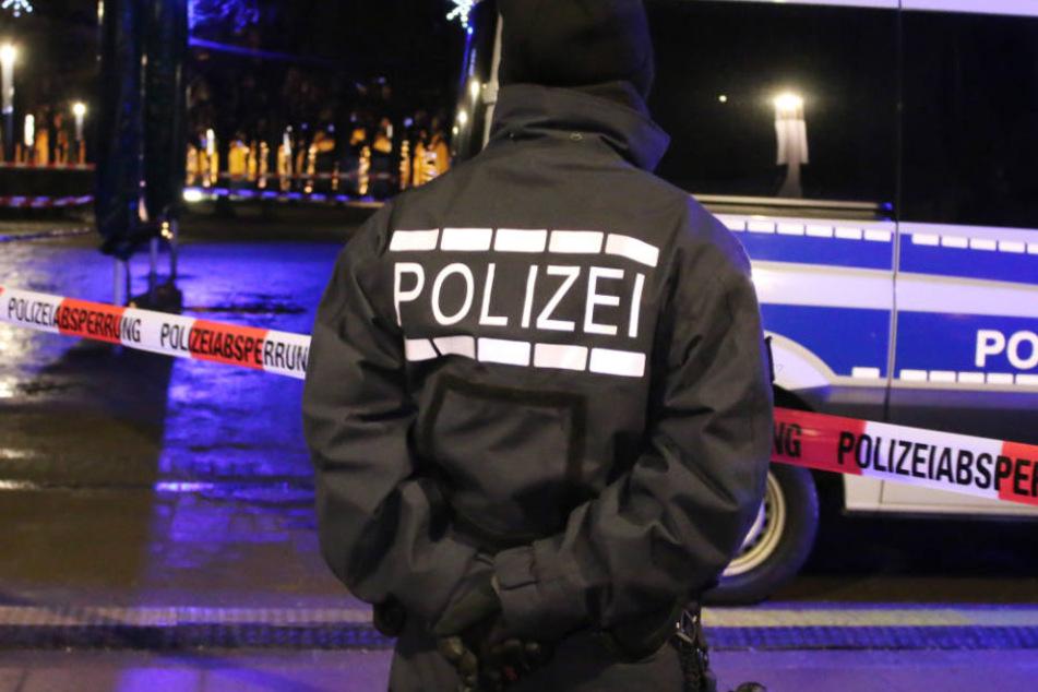 Großeinsatz für die Duisburger Polizei am Dienstagabend. (Symbolbild)