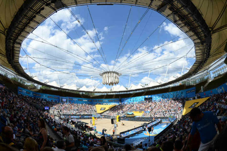 Im Tennisstadion am Hamburger Rotherbaum findet die Beachvolleyball-WM statt.