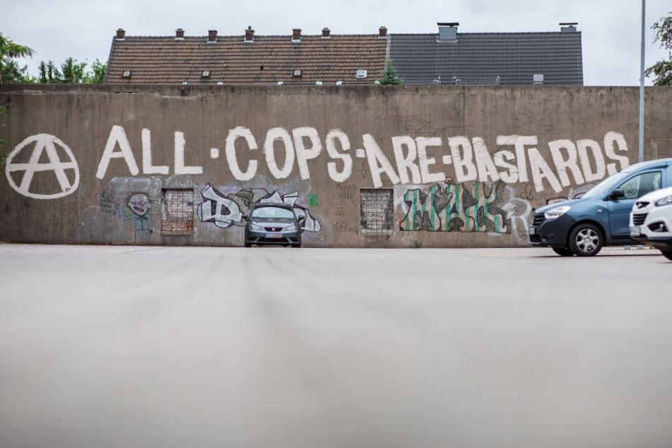 Dieser Spruch beleidigt Polizisten.