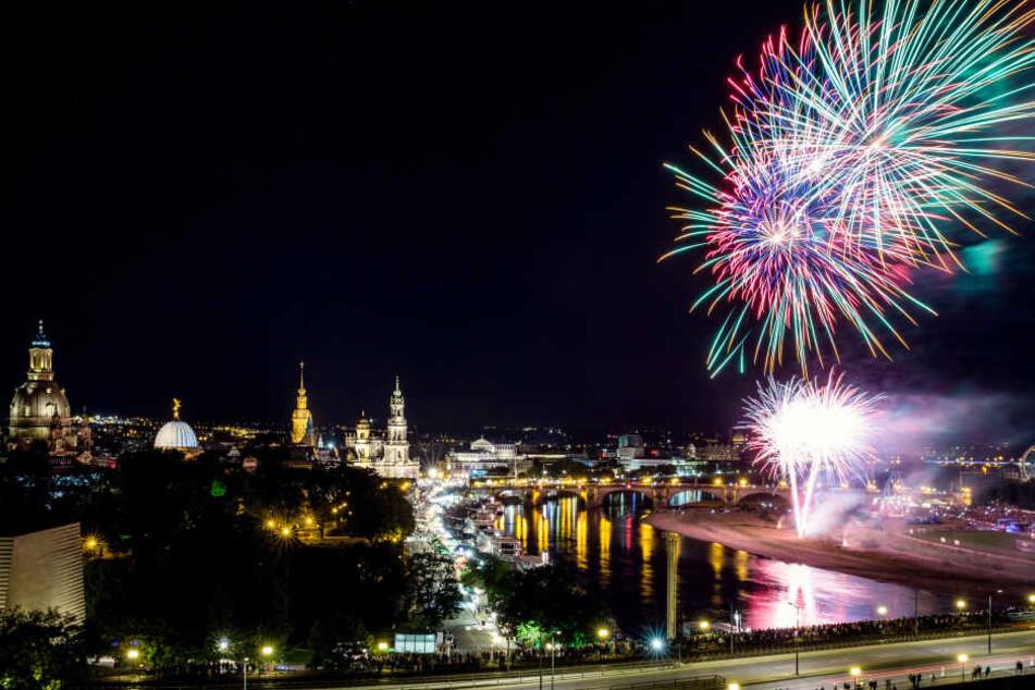 Das Feuerwerk ist eines der größten Highlights auf dem Stadtfest. Dieses Jahr könnt Ihr es jedoch nicht von der Augustusbrücke aus ansehen.