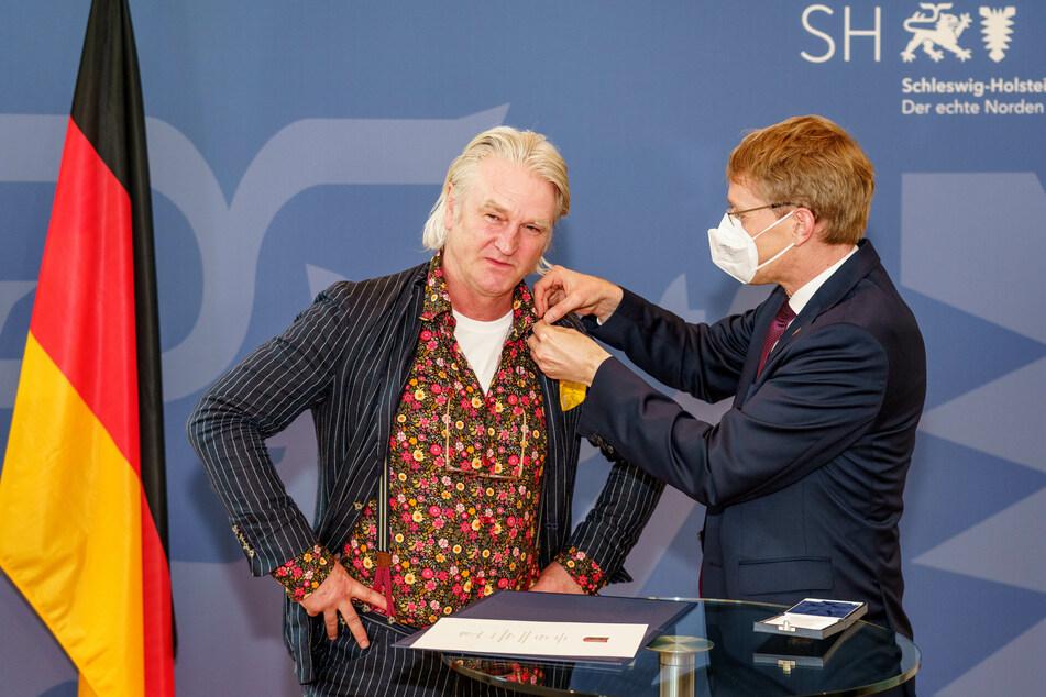 Detlev Buck (58, l.) wurde für besondere Verdienste um das Land Schleswig-Holstein ausgezeichnet.