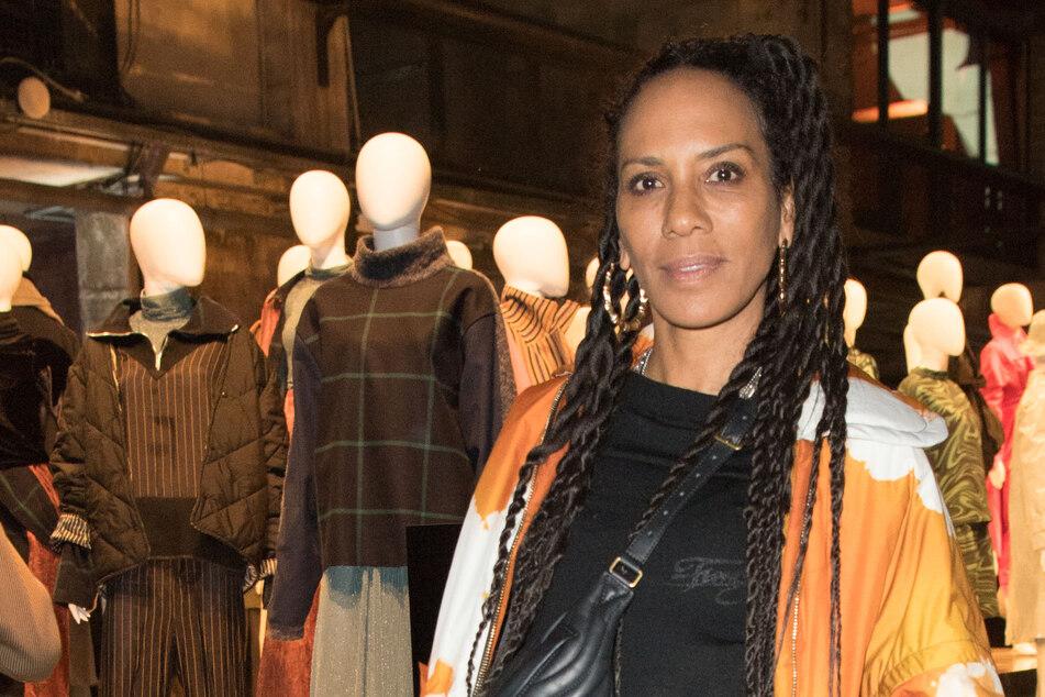 """Barbara Becker (54) bei der Berlin Fashion Week 2020. Die Schauspielerin und Designerin war nun zu Gast im """"Riverboat"""", um ihr neues Buch """"Mama allein Zuhaus"""" vorzustellen."""