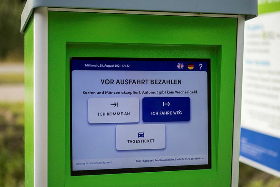 Der Automat nimmt keine Scheine und gibt kein Wechselgeld.
