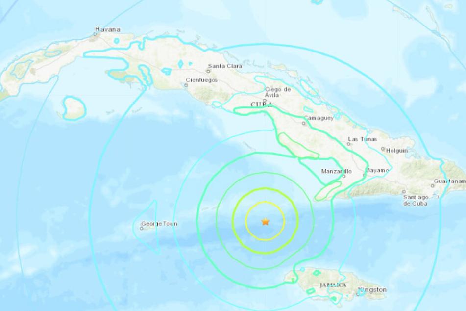 Tsunami-Warnung nach schwerem Erdbeben in der Karibik