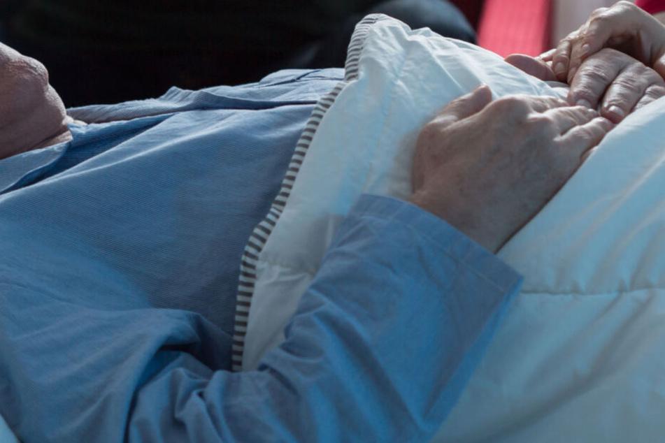 Krankenhaus behandelt angeblich seit einer Woche Rentner, dabei ist der schon tot