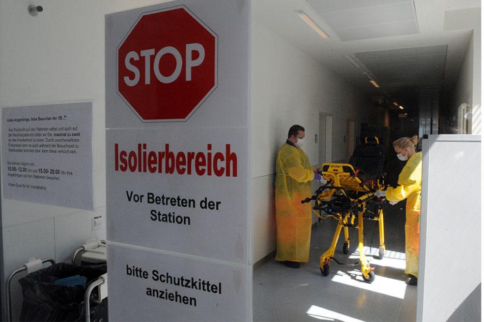 Eine Jugendliche wurde mit blutigem Stuhlgang ins Krankenhaus eingeliefert. Wenig später stirbt sie - Schuld ist eine EHEC-Infektion. (Symbolfoto)