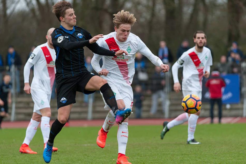 Neuzugang Lukas Boeder gab in Bremen sein Startelf-Debüt für den SC Paderborn 07.