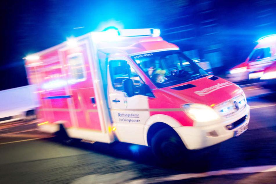 Frau an den Po gefasst: Mann landet im Krankenhaus