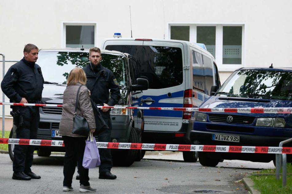 Nach dem Terroreinsatz hatte die Polizei den Wohnblock abgesperrt.