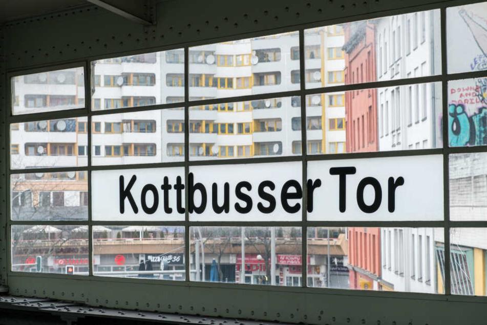 Der Übergriff fand am Kottbusser Tor statt, eine für Drogen berüchtigte Gegend. (Symbolbild)