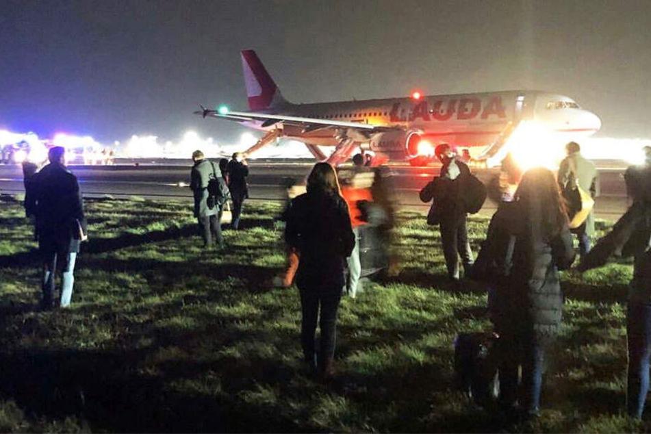 Die Passagiere wurden evakuiert.