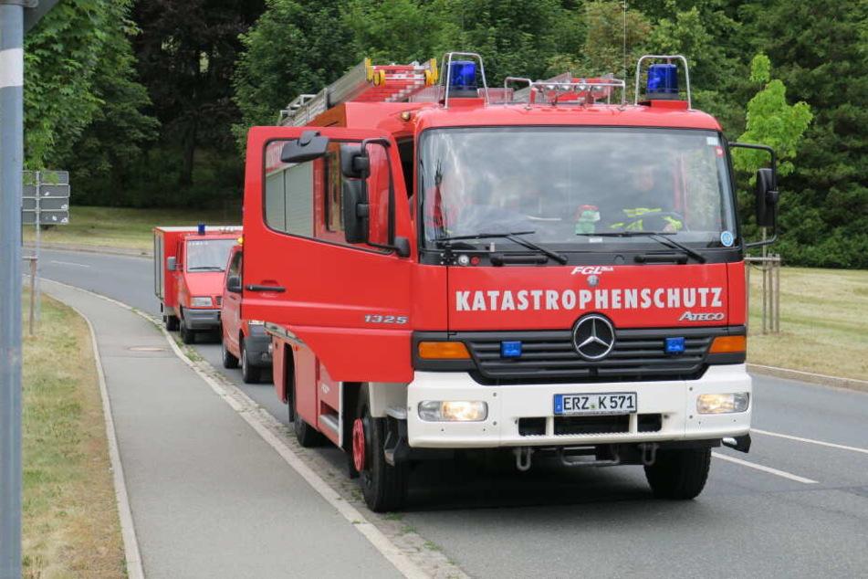 Neben der Feuerwehr war auch der Gefahrgutzug Erzgebirge im Einsatz.