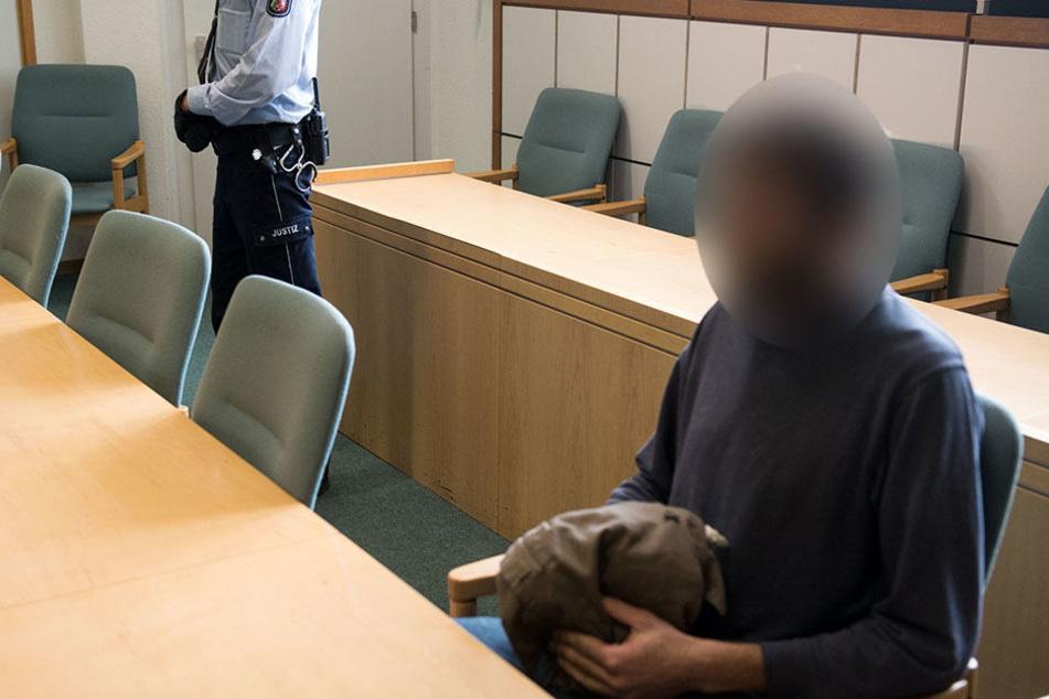 Seit Mittwoch muss sich der 34-Jährige vor Gericht für seine Bluttat verantworten.