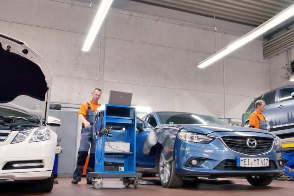 Hier werden Fahrzeuge aller Hersteller gewartet und instand gesetzt.