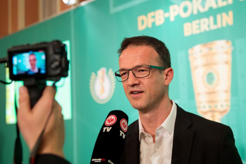 """Trotz schwierigem Start in die Saison gab Eintracht-Sportvorstand Bobic im """"Doppelpass"""" zu, in keinster Weise beunruhigt gewesen zu sein."""
