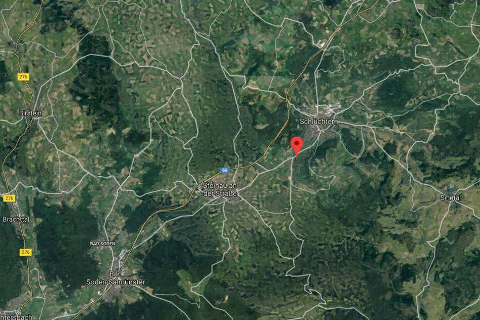 Der Unfall passierte auf der Landstraße 3329 zwischen Steinau und Schlüchtern-Niederzell.